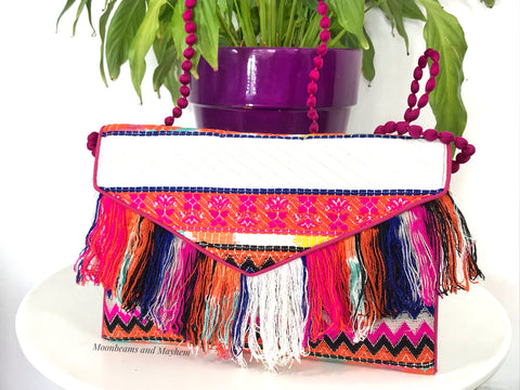 DELICIOUS 'IBIZA'  FRINGE CLUTCH / EVENING BAG - MoonbeamsandMayhem