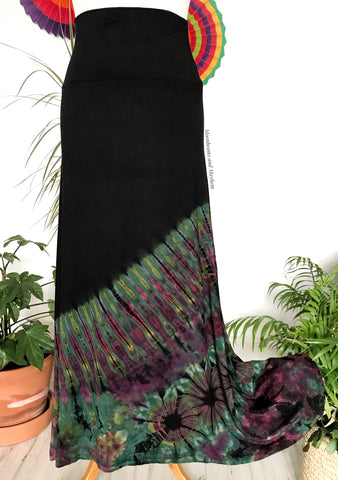 CAPTIVATING LONG BLACK / GREEN TIE DYE SKIRT