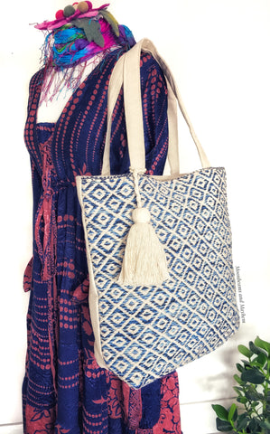 LARGE COTTON CREAMY WHITE / BLUE SUMMER TOTE / BAG