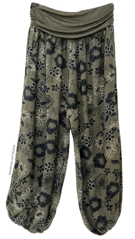 FLOWY AND CASUAL FOREST GREEN HAREM PANTS / CURVY / PLUS SIZE