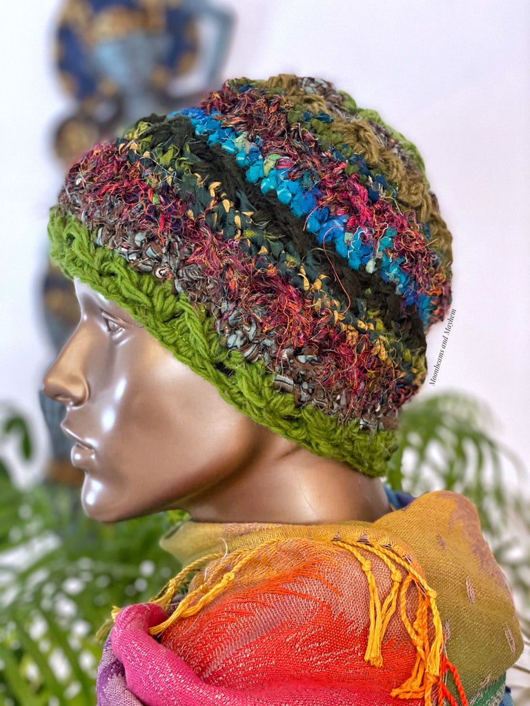 ENCHANTING FOREST GREEN WINTER BEANIE HAT