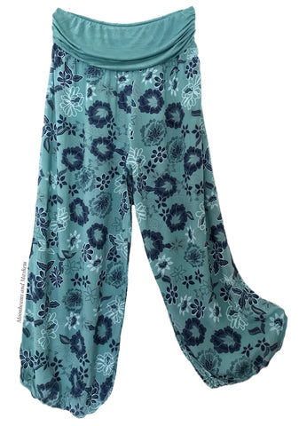 FLOWY AND CASUAL SEA GREEN HAREM PANTS / CURVY / PLUS SIZE