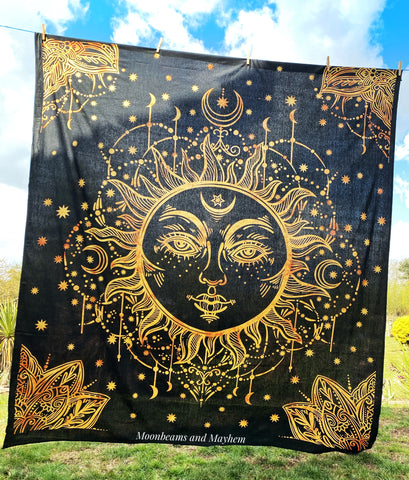 WONDERFUL SUN WALL HANGING / TAPESTRY