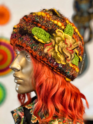 WONDERFUL EARTHY FLOWER BURST WINTER BEANIE HAT