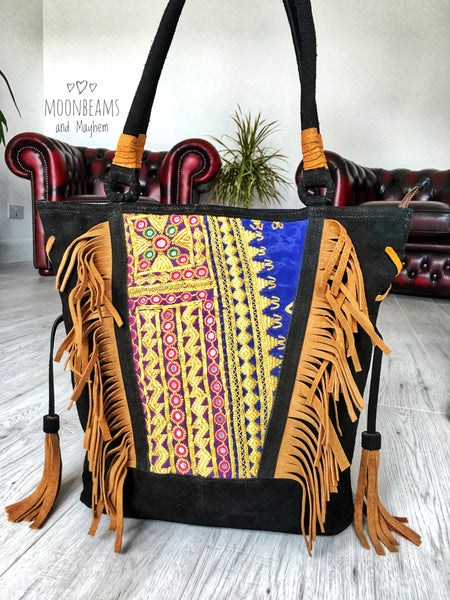 EXQUISITE BLACK SUEDE 'TOTEM TASSEL' BAG / PURSE - MoonbeamsandMayhem