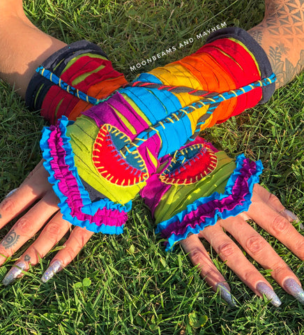 KALEIDOSCOPIC 'RAINBOW' MUSHROOM WRISTLETS / GLOVES - MoonbeamsandMayhem