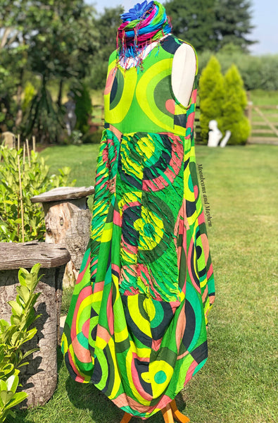 MAGNIFICENTLY MEMORABLE GREEN 'ART DRESS' - S / M / L / XL - MoonbeamsandMayhem
