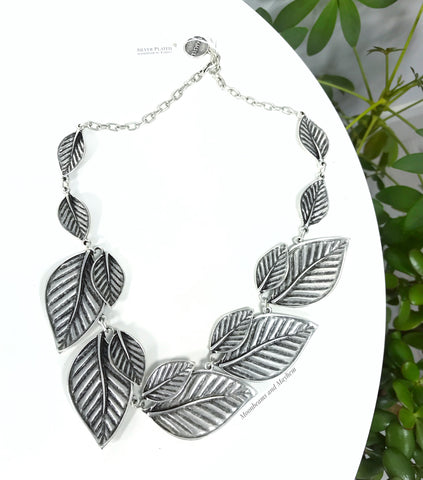 ENCHANTING FALLING LEAVES NECKLACE - MoonbeamsandMayhem