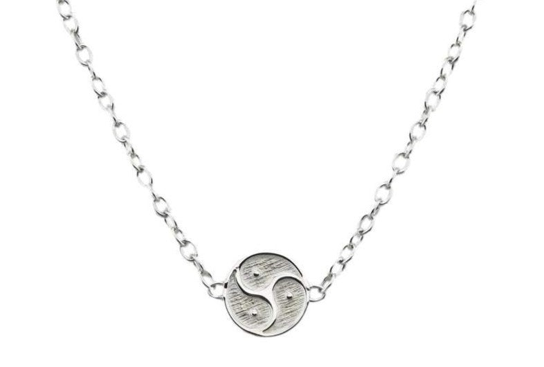 Solid 925 Sterling Silver In-Line Medium Triskelion BDSM Day Collar