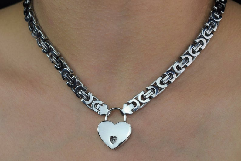 High Grade 316l Stainless steelBracelet / wrist day collar Chain Locking BDSM Slave Bondage Submissive Sub Pet babygirl & Lock