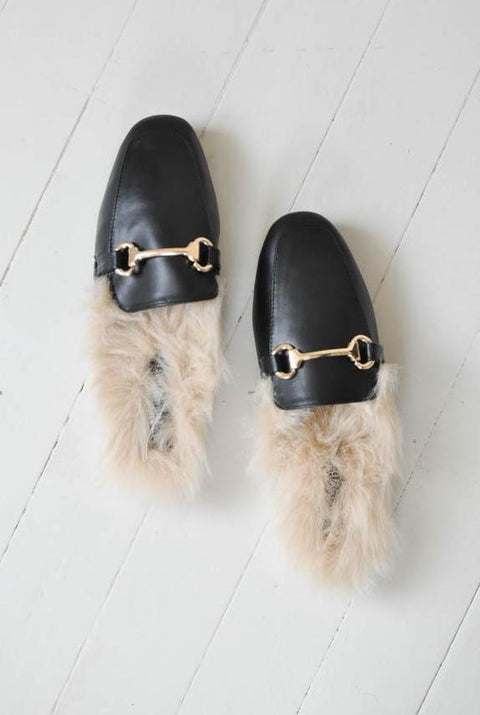 Brit Slippers with Fur - Black - Seven Oaks