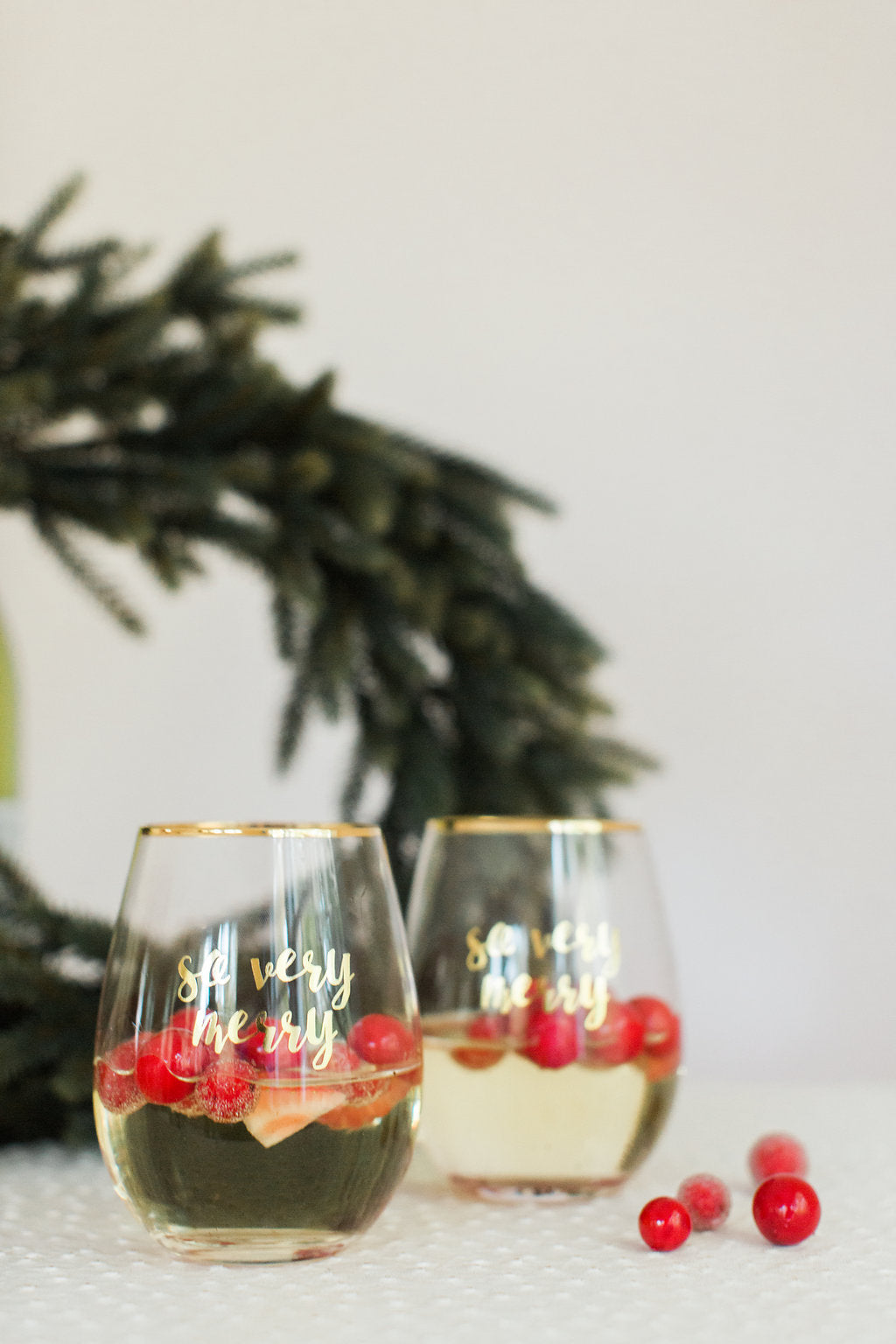 So Very Merry Wine Glass Set, Set of 4