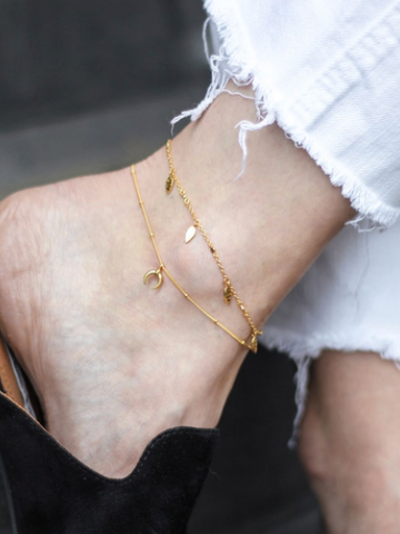 Lucy Williams Missoma collaboration tiny horn anklet