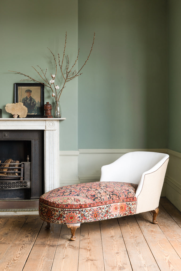 Ludlow Chaise