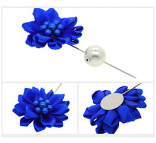 Load image into Gallery viewer, Flower Lapel Pins.