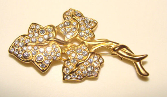 SIGNED SWAROVSKI ELEMENTS GOLD TONE CRYSTAL RHINESTONE IVY BROOCH
