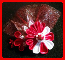 Load image into Gallery viewer, Handmade Delta Brooches and Corsages
