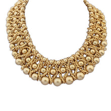 Load image into Gallery viewer, Boast elegant big pearl necklace ( gold )