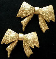 Ivy Etched Bow Brooch pin