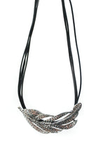 Load image into Gallery viewer, Short Feather Necklace