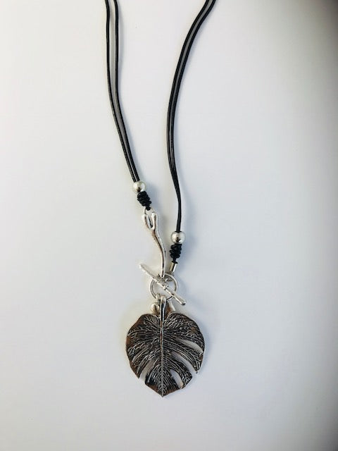 Leaf Clasp Necklace