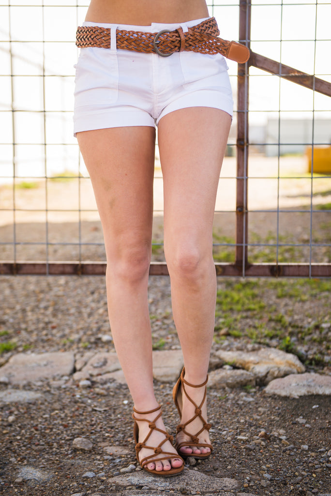 Loving the Sun Linen Shorts - White