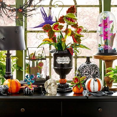 Super Cute Ghoulish Garden Halloween Décor