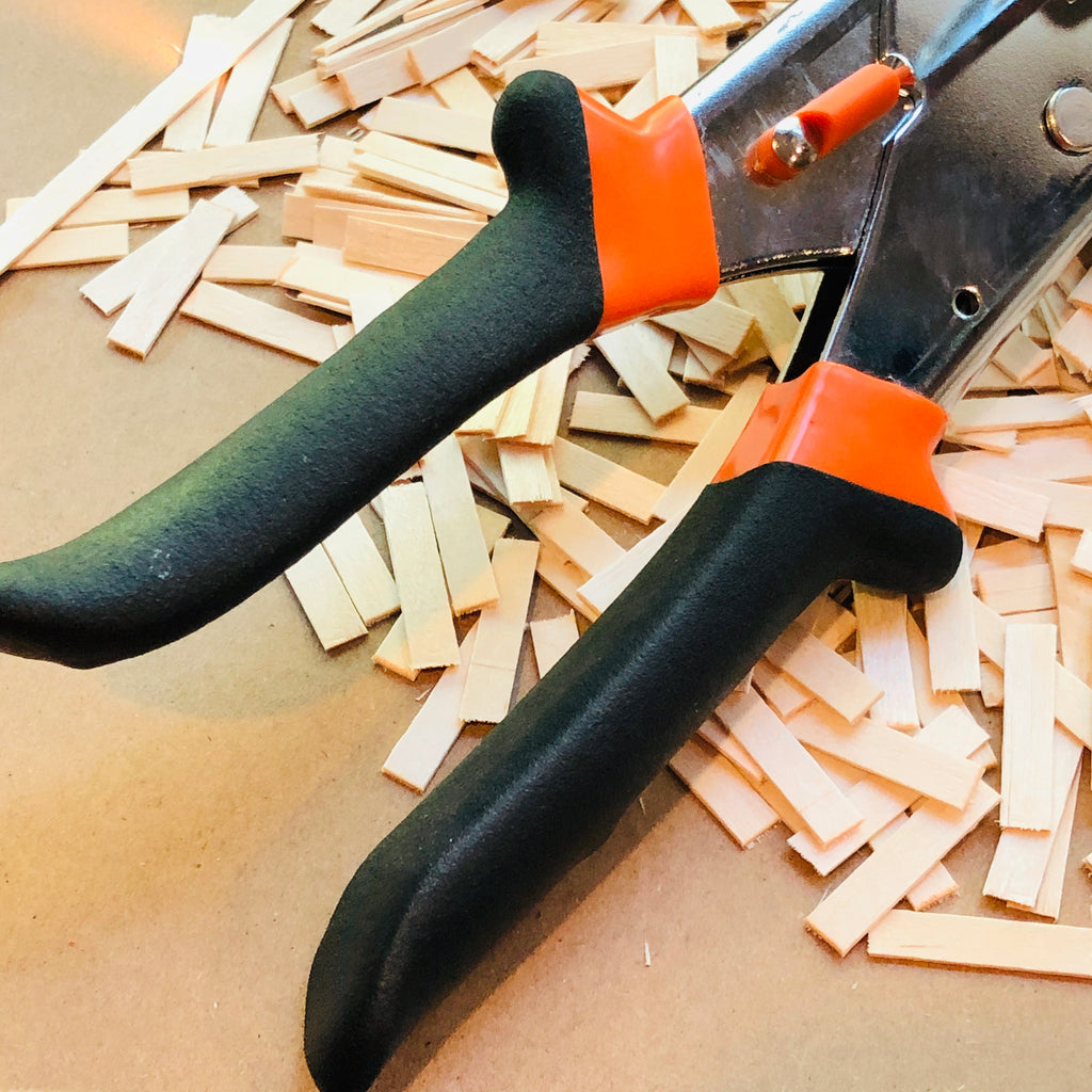 Ergonomic Handles on miter shears