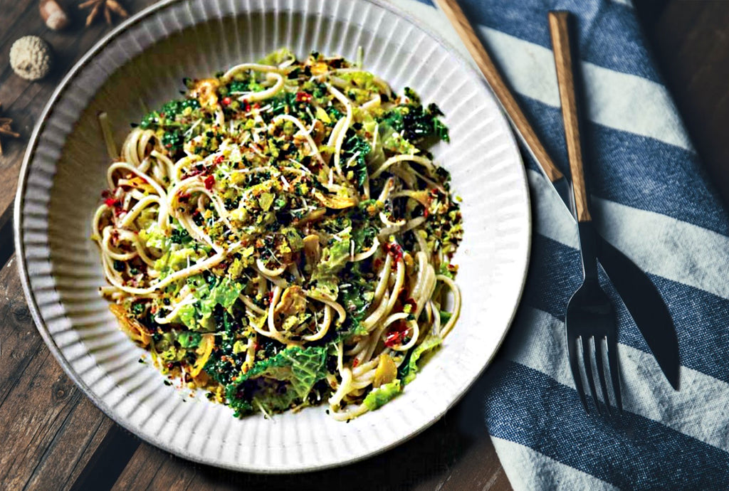 Noodles with savoy cabbage
