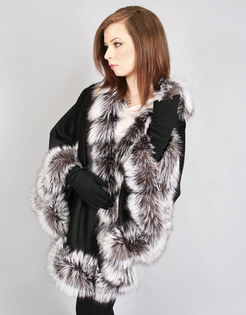 Medium Round Cashmere Cape-Black/ Silver