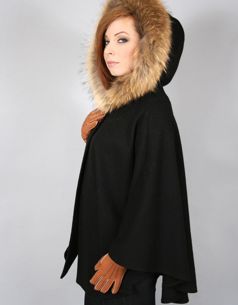 Buckle & Leather Detail Hooded Cape- Red