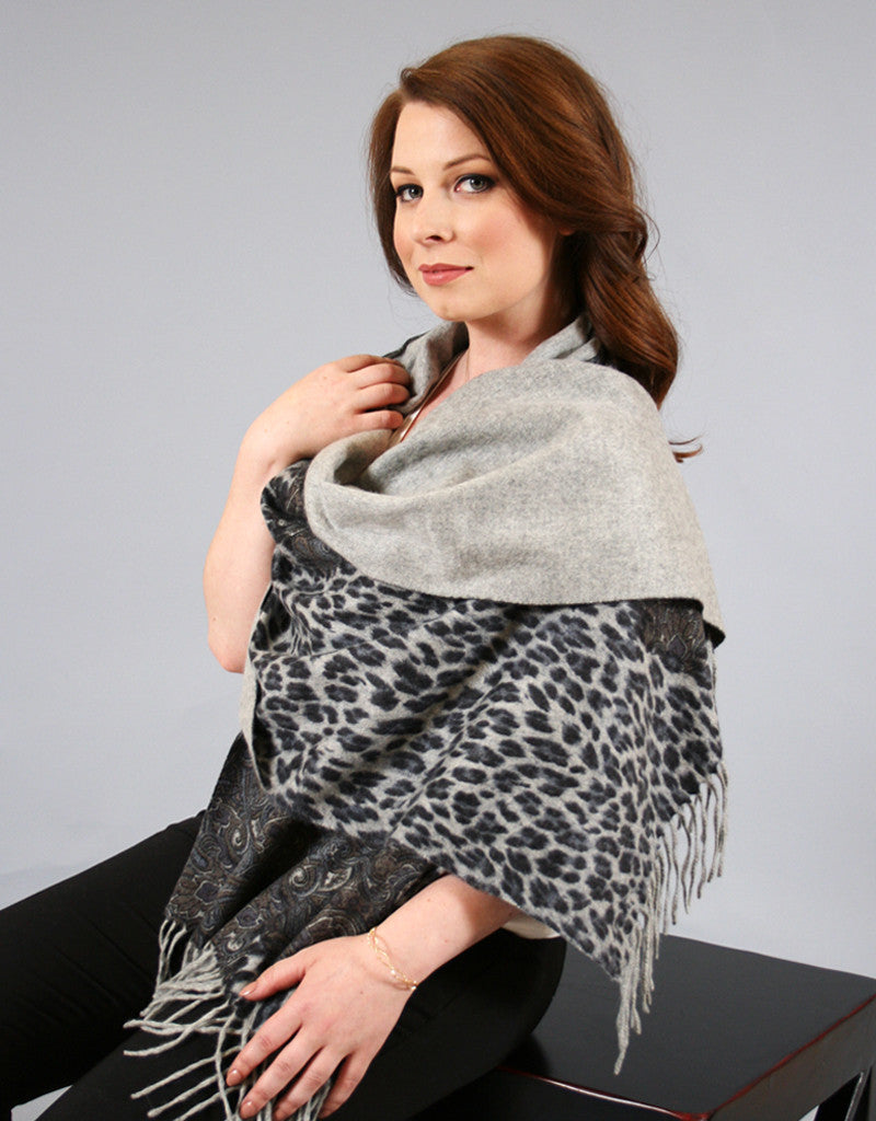 Cashmere Shawl- Chains