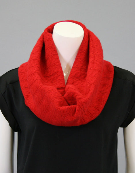 Cashmere Cable Cowl-Cherry Red