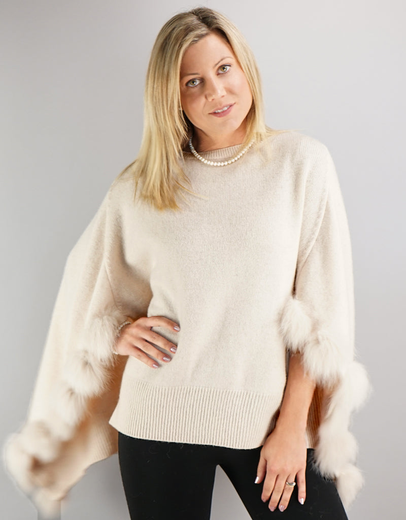Casual Sweater / Cape - Ivory