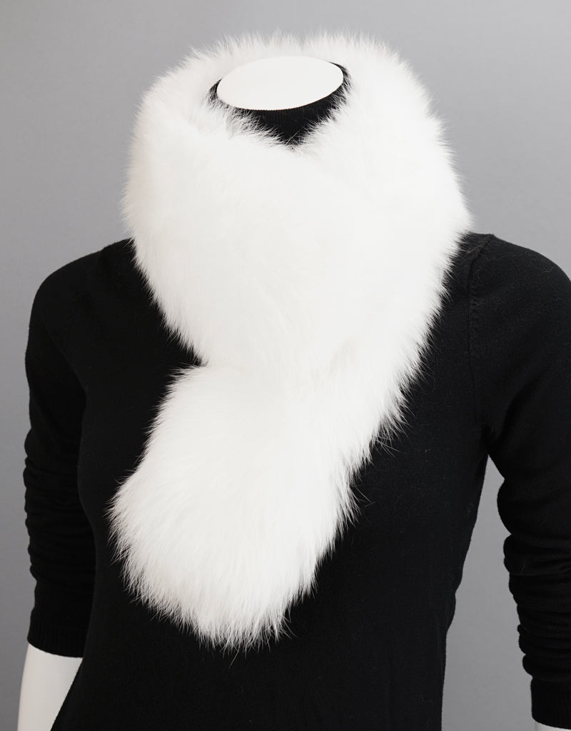 New Essential Fox Clip Collar/ Scarf- White