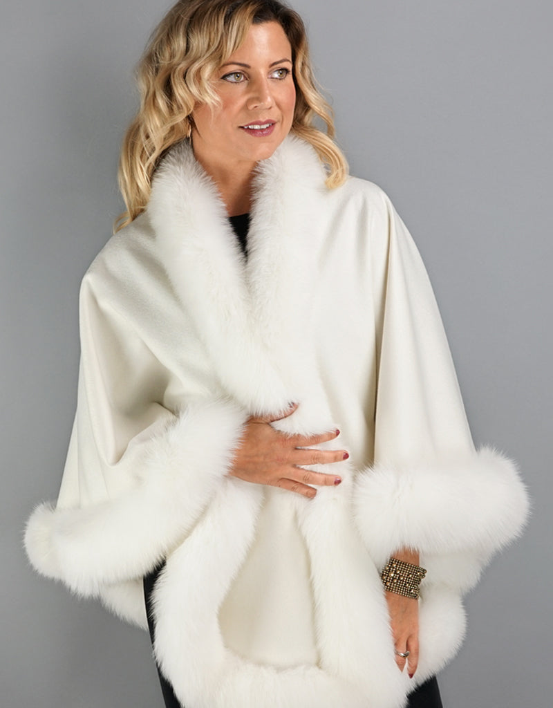 Cashmere Medium Round Cashmere Cape- Off White
