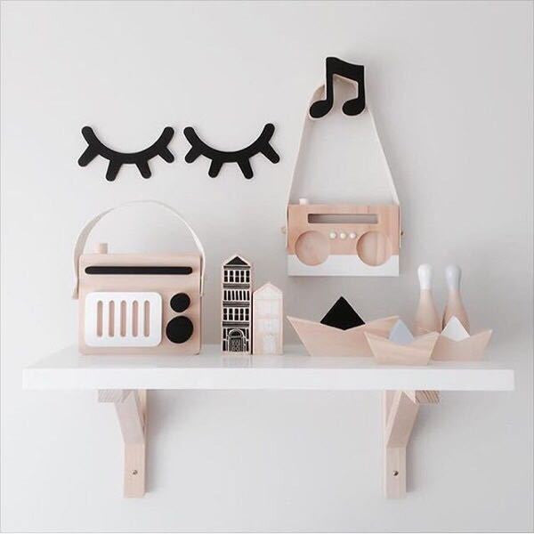 Wooden Sleepy Eyes wall decor for babies and kids rooms H625/H625I/H625J