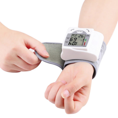 00760-Automatic-Wrist-Blood-Pressure-Monitor-Measure-Heart-Rate-Tester-Meter-Machine_RZ8HOR0M3IQK.jpg