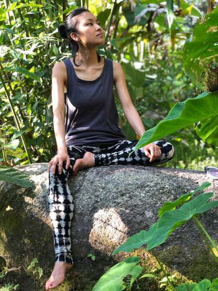 Forgotten Tribes - Ethnic Clothing - Pocket Tank top and black tie-dye leggings - style 1
