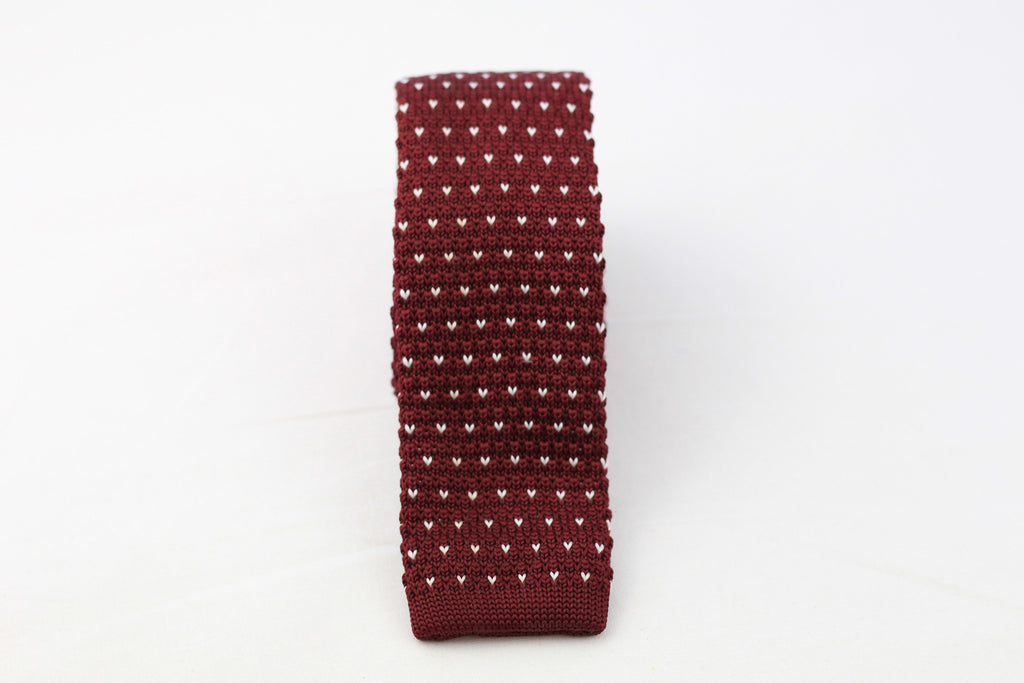 Bordeaux Knit-Tie with Hearts