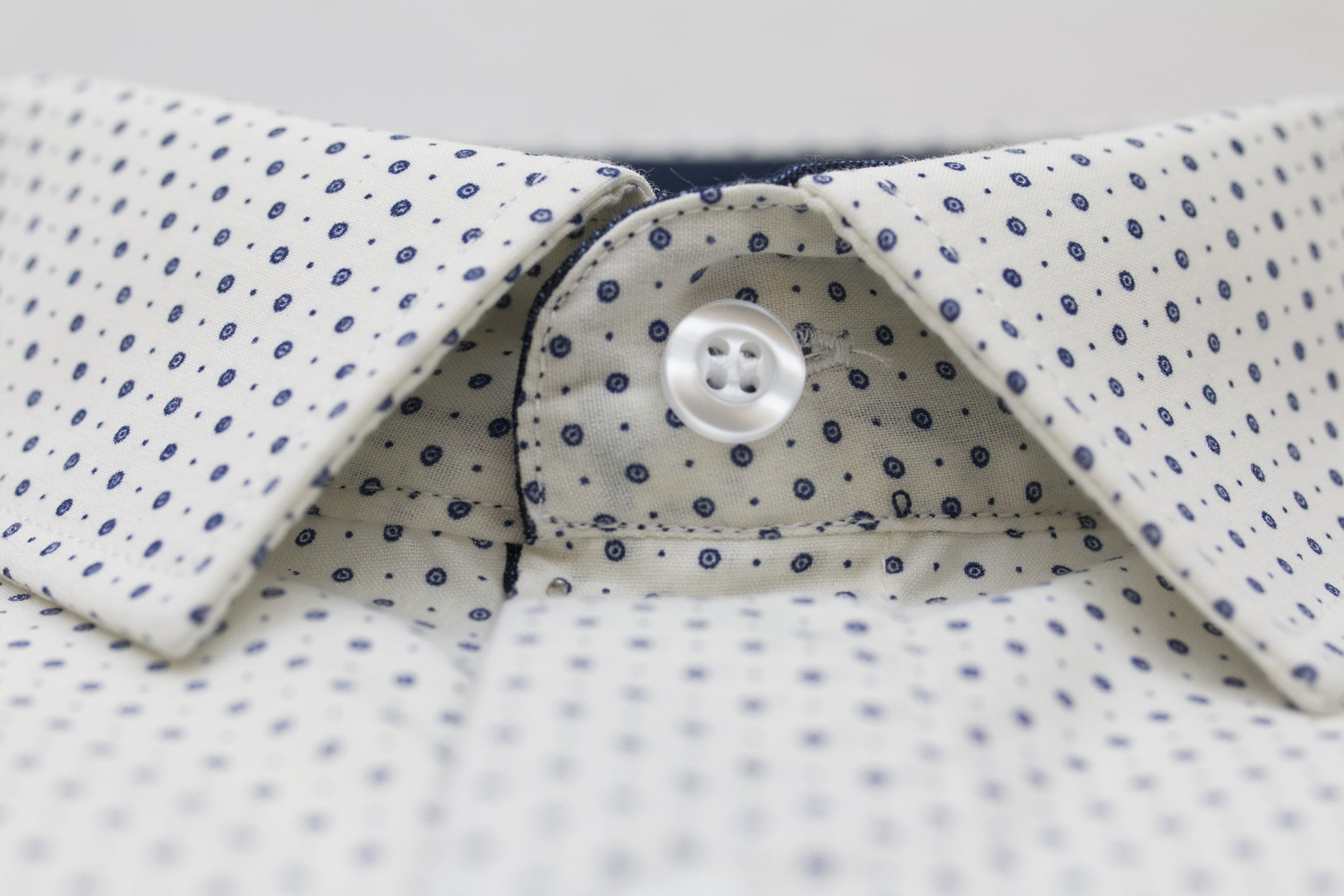 AG Slim Dress Shirt|Off-White Dotted