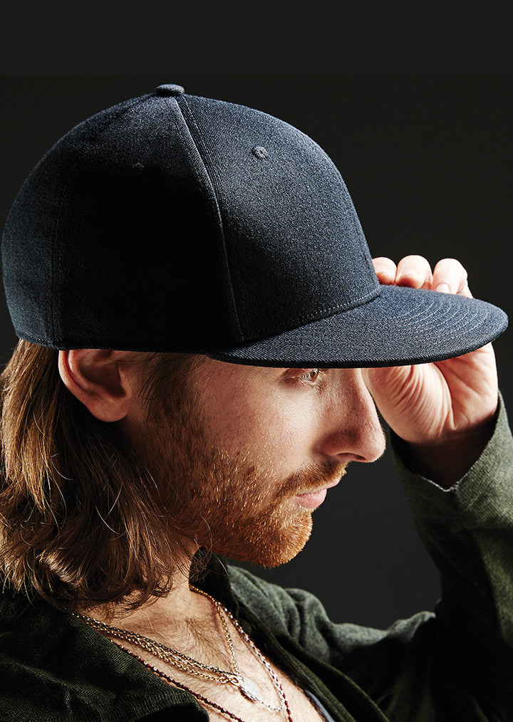 Signature fitted flat peak cap BC865