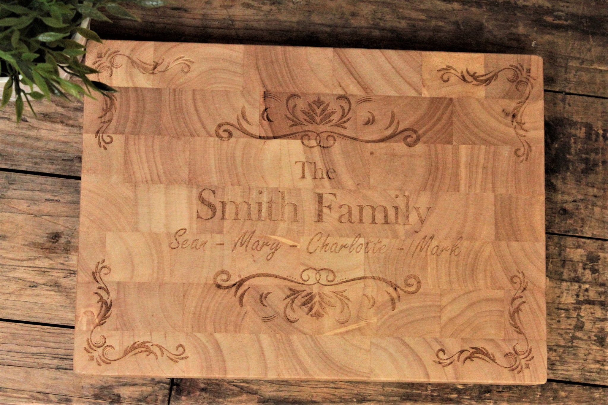 Personalised this Hevea wood endgrain butchers block with your family name and family members. Perfect as a display piece for your kitchen or as a centrepiece to family meals and dinner parties.