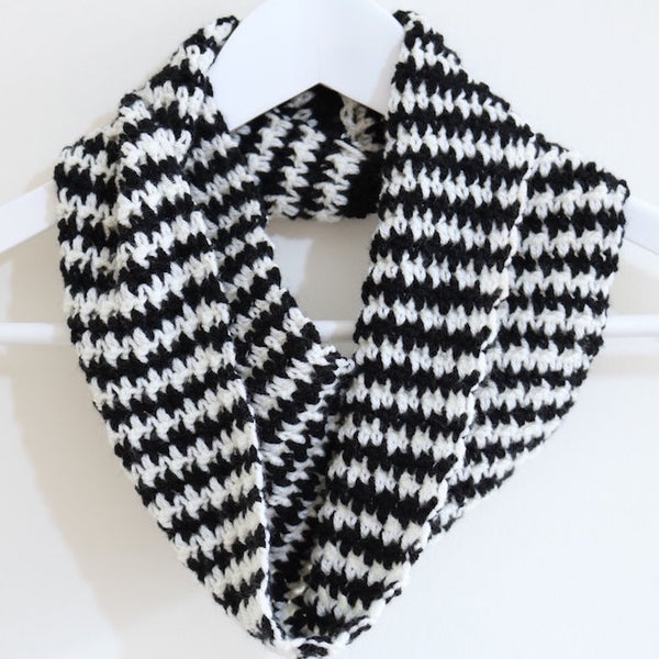 Houndstooth Cowl Crochet Pattern