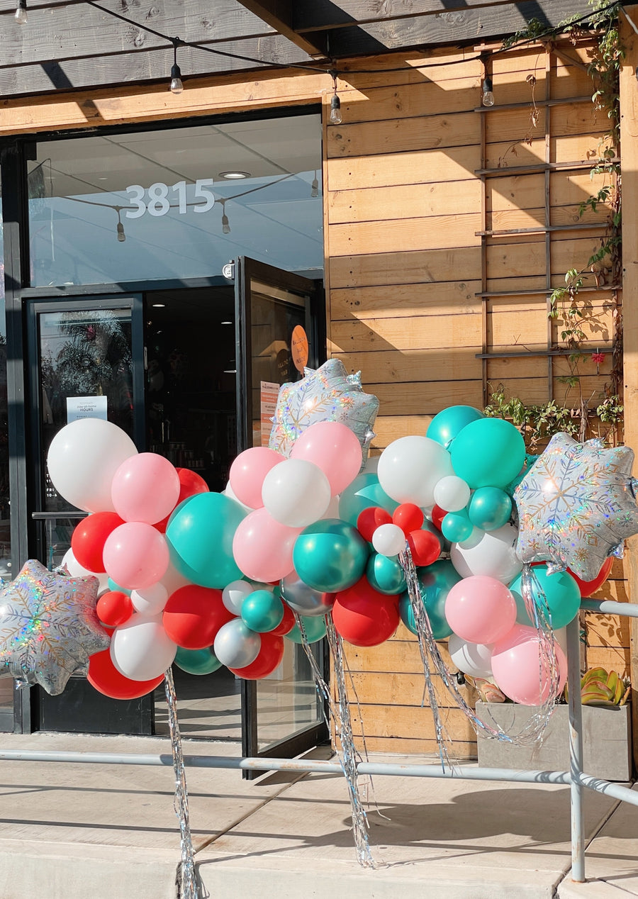 Christmas Tinsel Balloon Garland To-Go (pick up only)