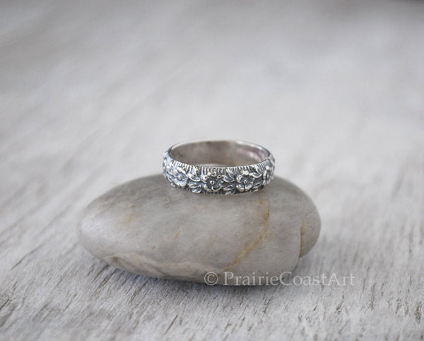 Sterling Silver Flower Band - Floral Pattern Band - Handforged