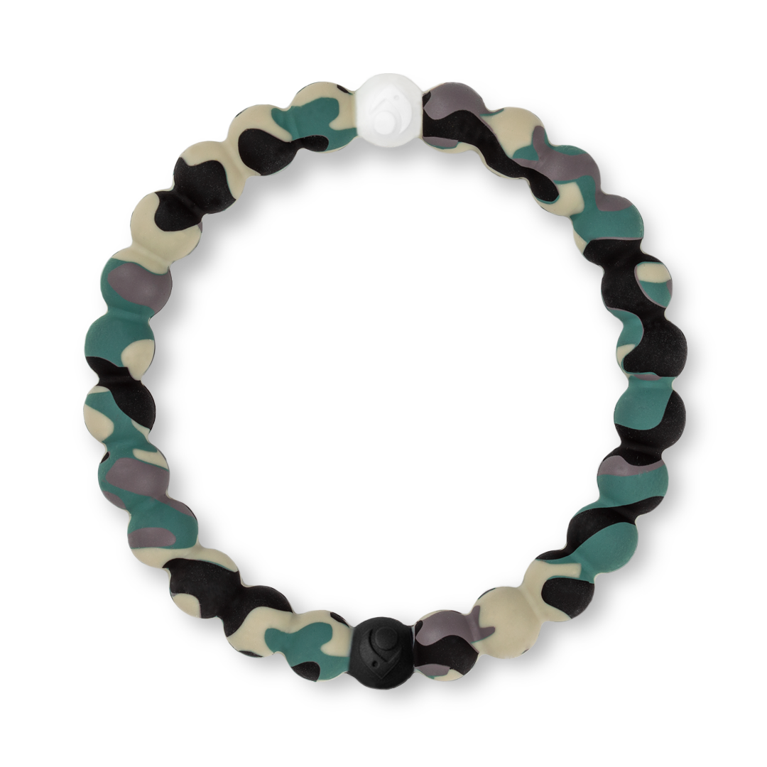 Camouflage patterned silicone beaded bracelet.
