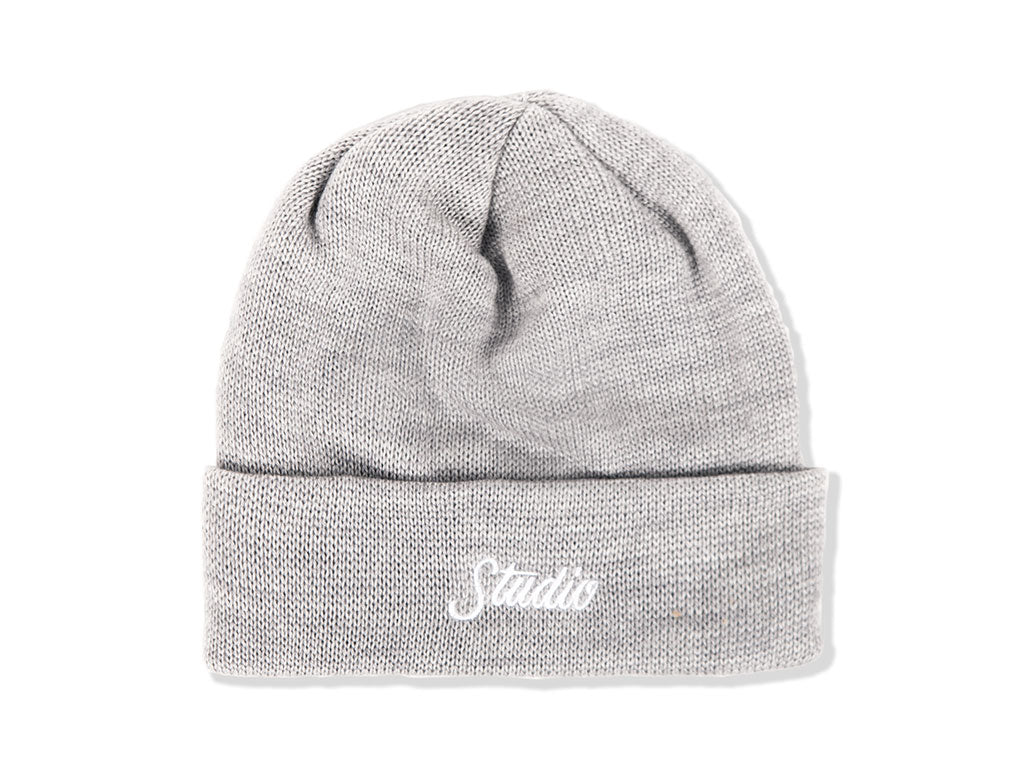 THE STUDIO SCRIPT BEANIE IN HEATHER GREY