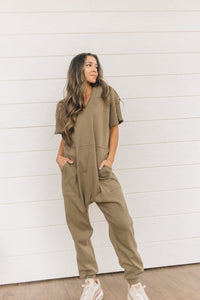 GNO Jumpsuit (Sage green)