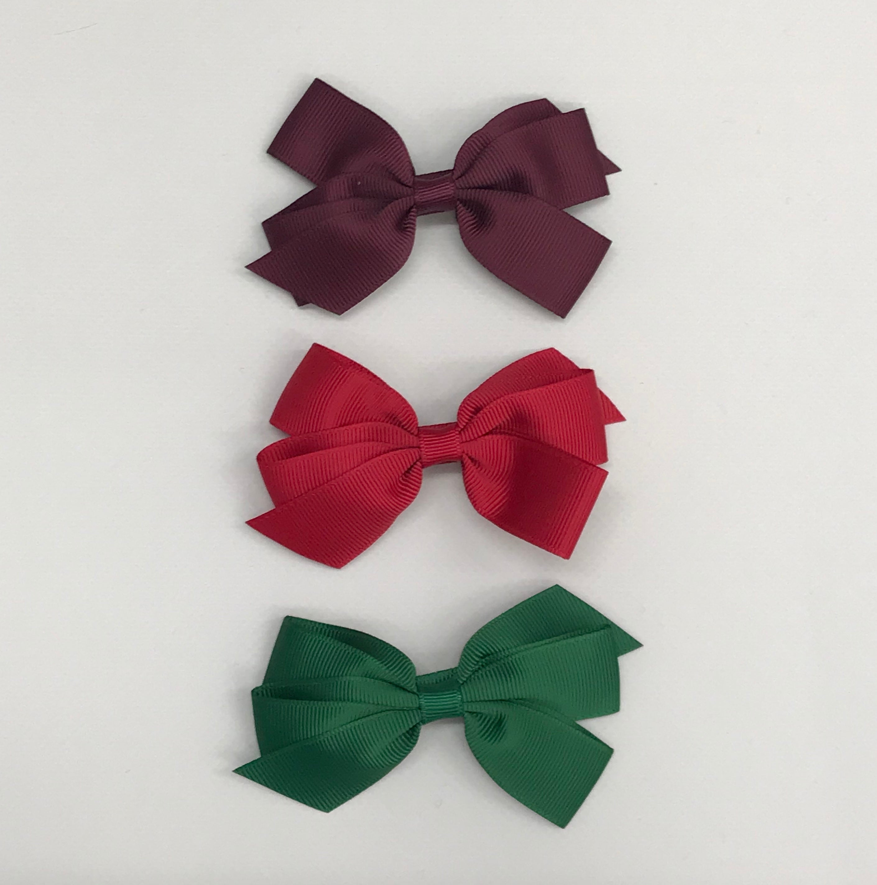 Flat bow hair slide